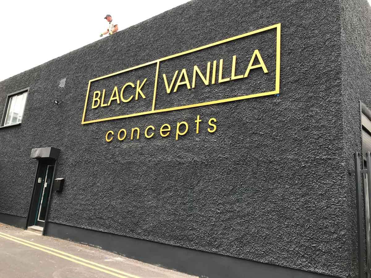black-vanilla-lettering gold